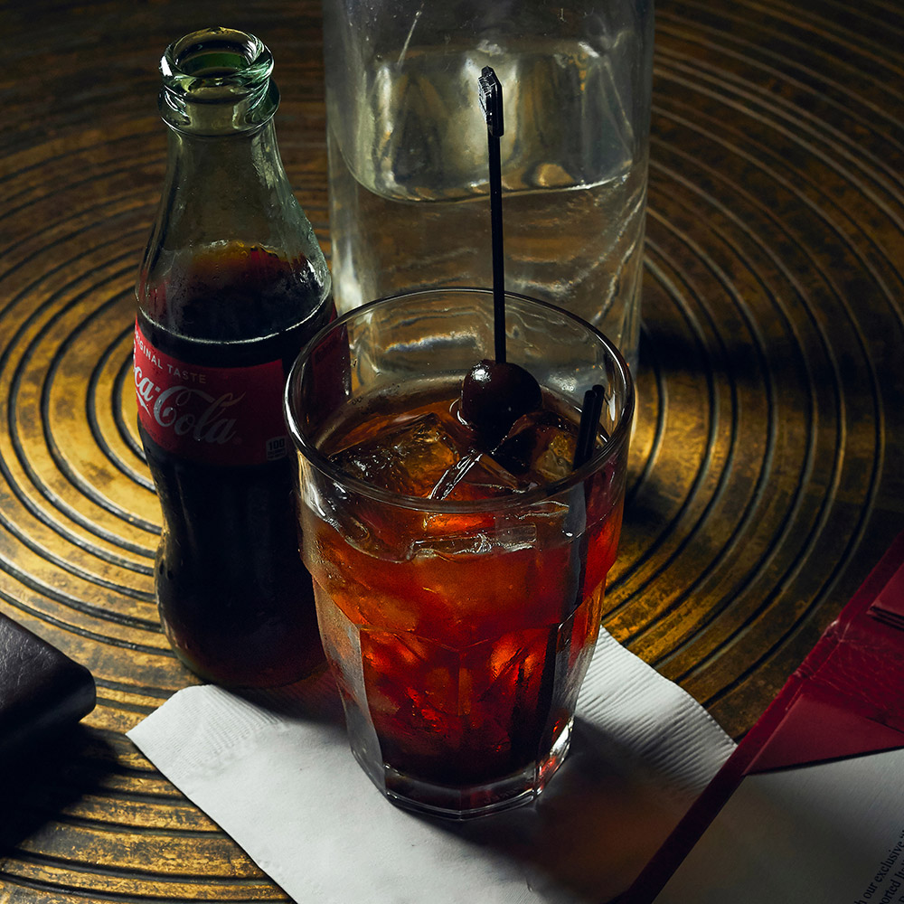 Elmo Cola at 1933 Lounge